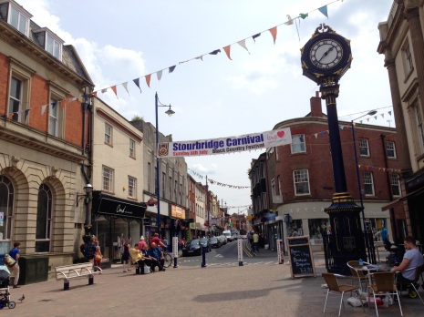 Stourbridge High St and the fabulous clock